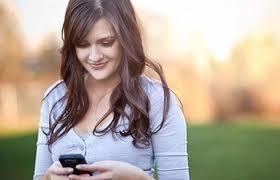 espiar mensajes de texto en secreto