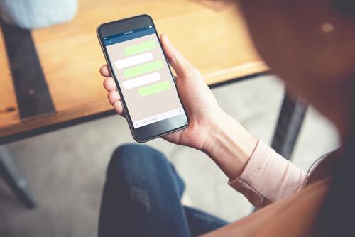 La manera más sencilla de espiar mensajes de texto